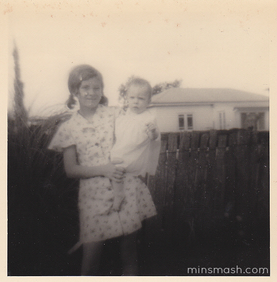 1976 - Min and sister