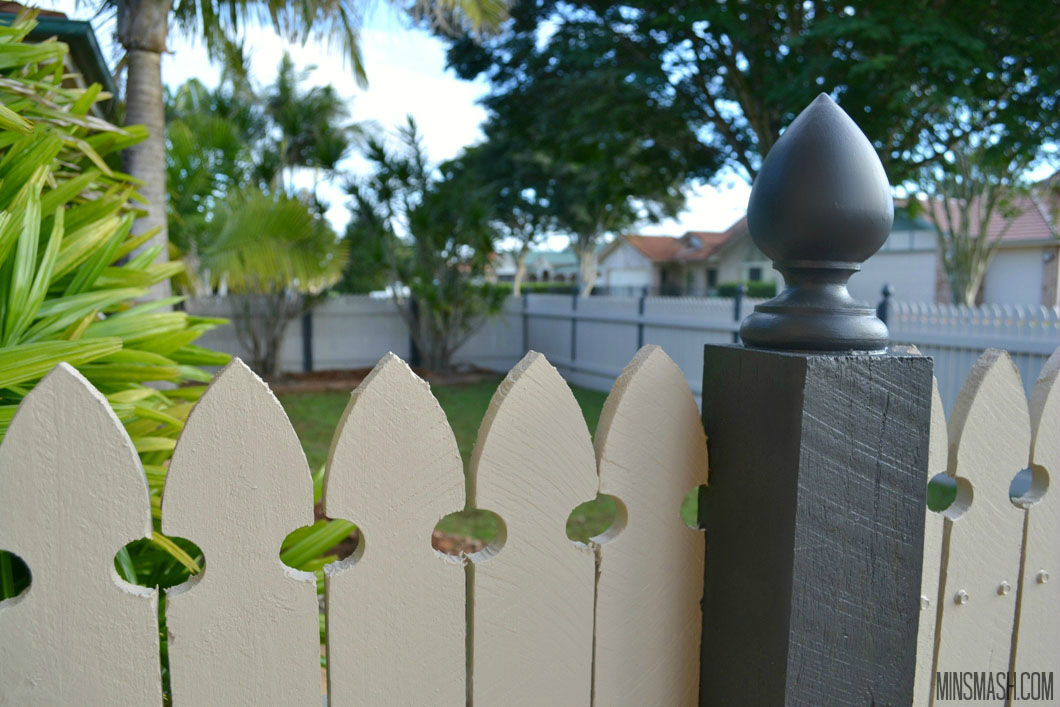 fence, picket fence